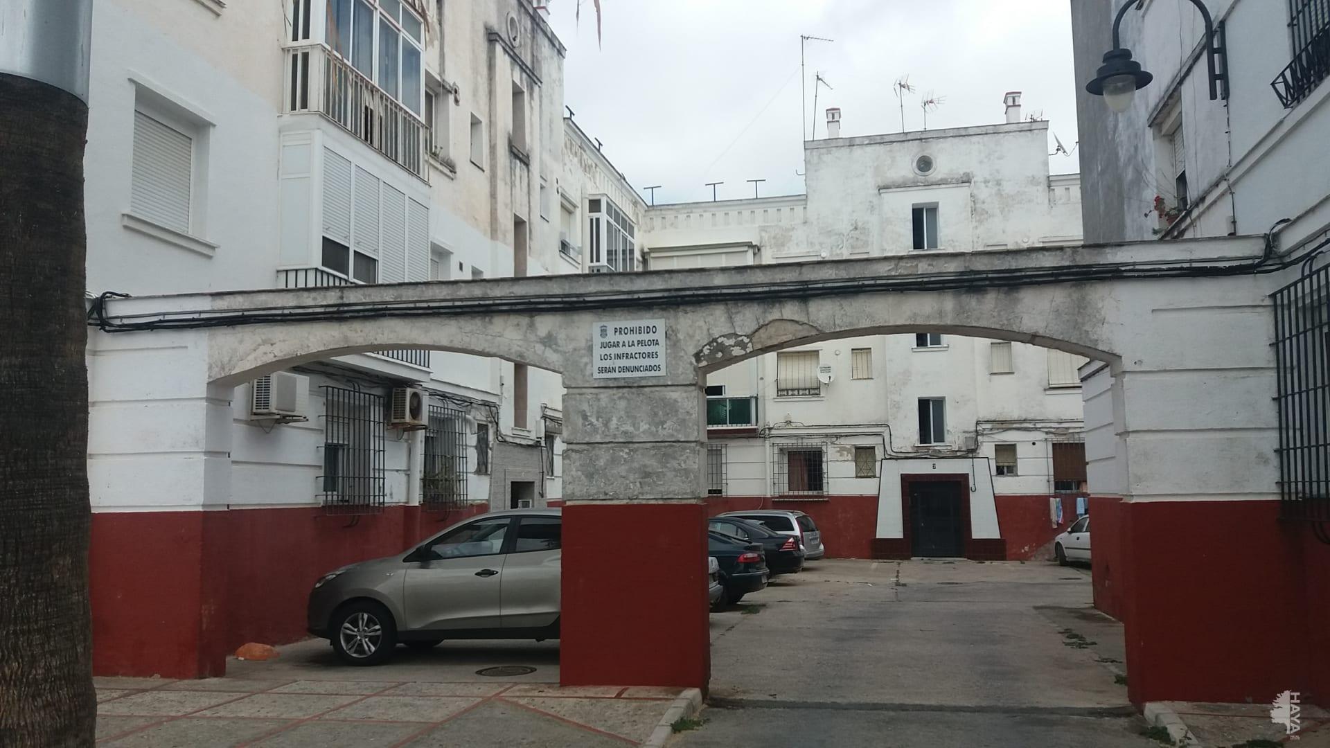 Piso en venta en San Fernando, Cádiz, Calle Nautilus, 52.000 €, 4 habitaciones, 1 baño, 88 m2