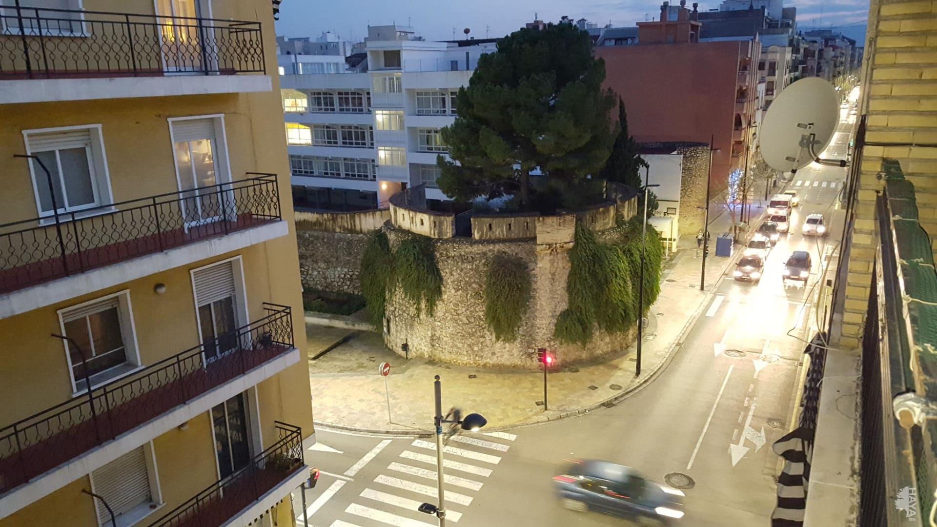 Piso en venta en Gandia, Valencia, Calle Sant Rafael, 59.800 €, 4 habitaciones, 2 baños, 147 m2
