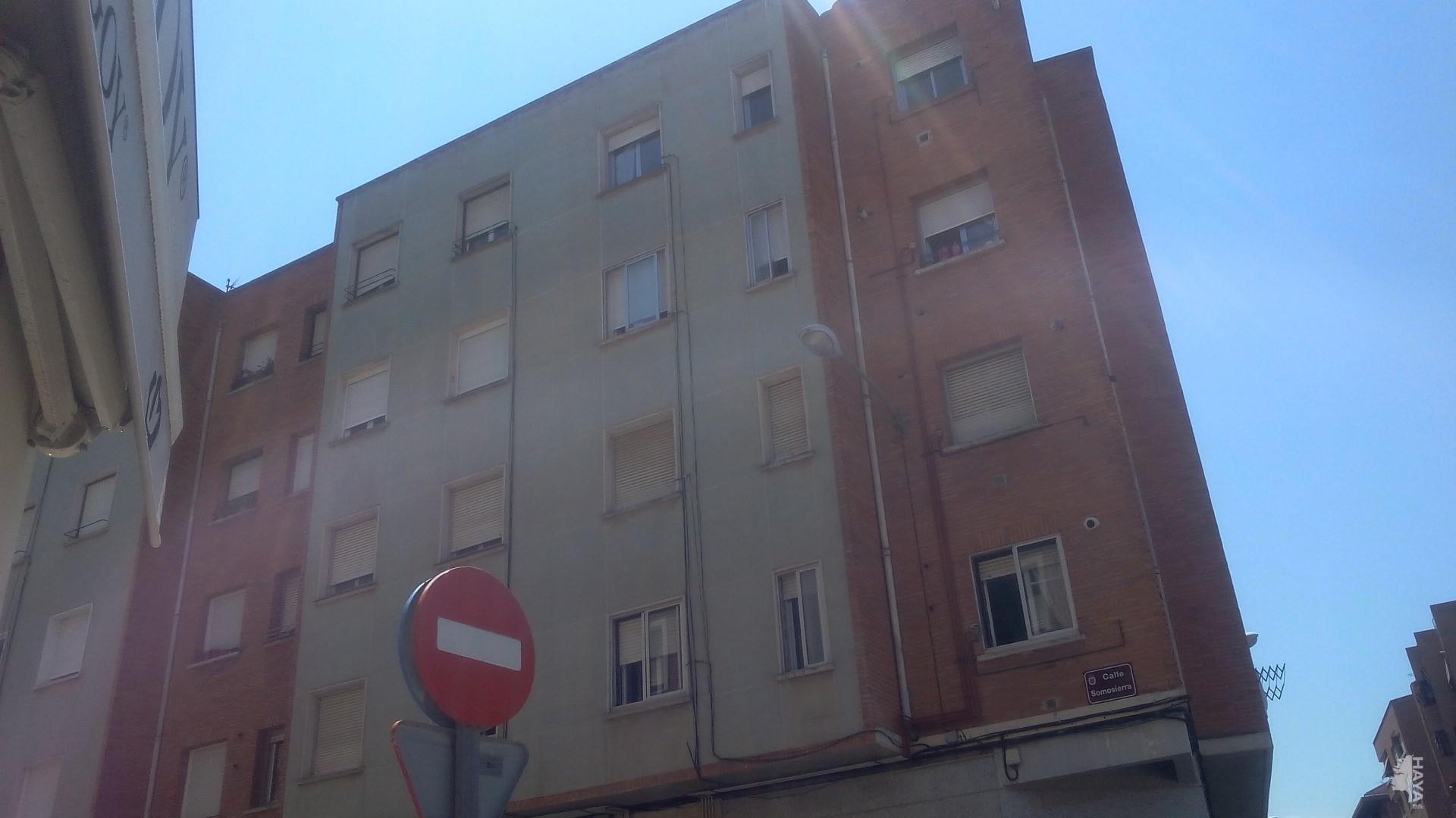 Piso en venta en El Cubo, Logroño, La Rioja, Calle Somosierra, 68.800 €, 3 habitaciones, 1 baño, 70 m2