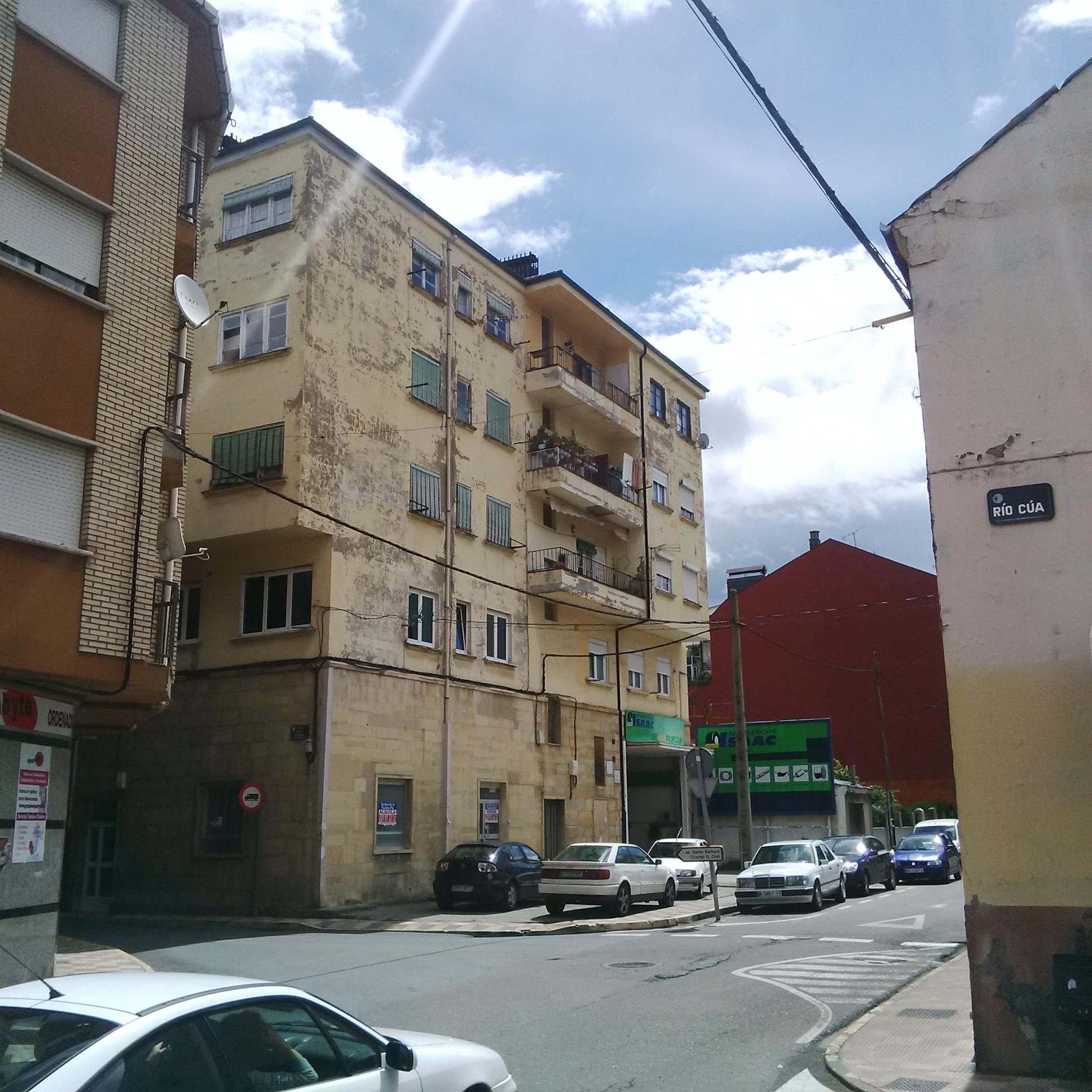 Piso en venta en Bembibre, León, Calle Junta Vecinal, 15.900 €, 3 habitaciones, 1 baño, 85 m2