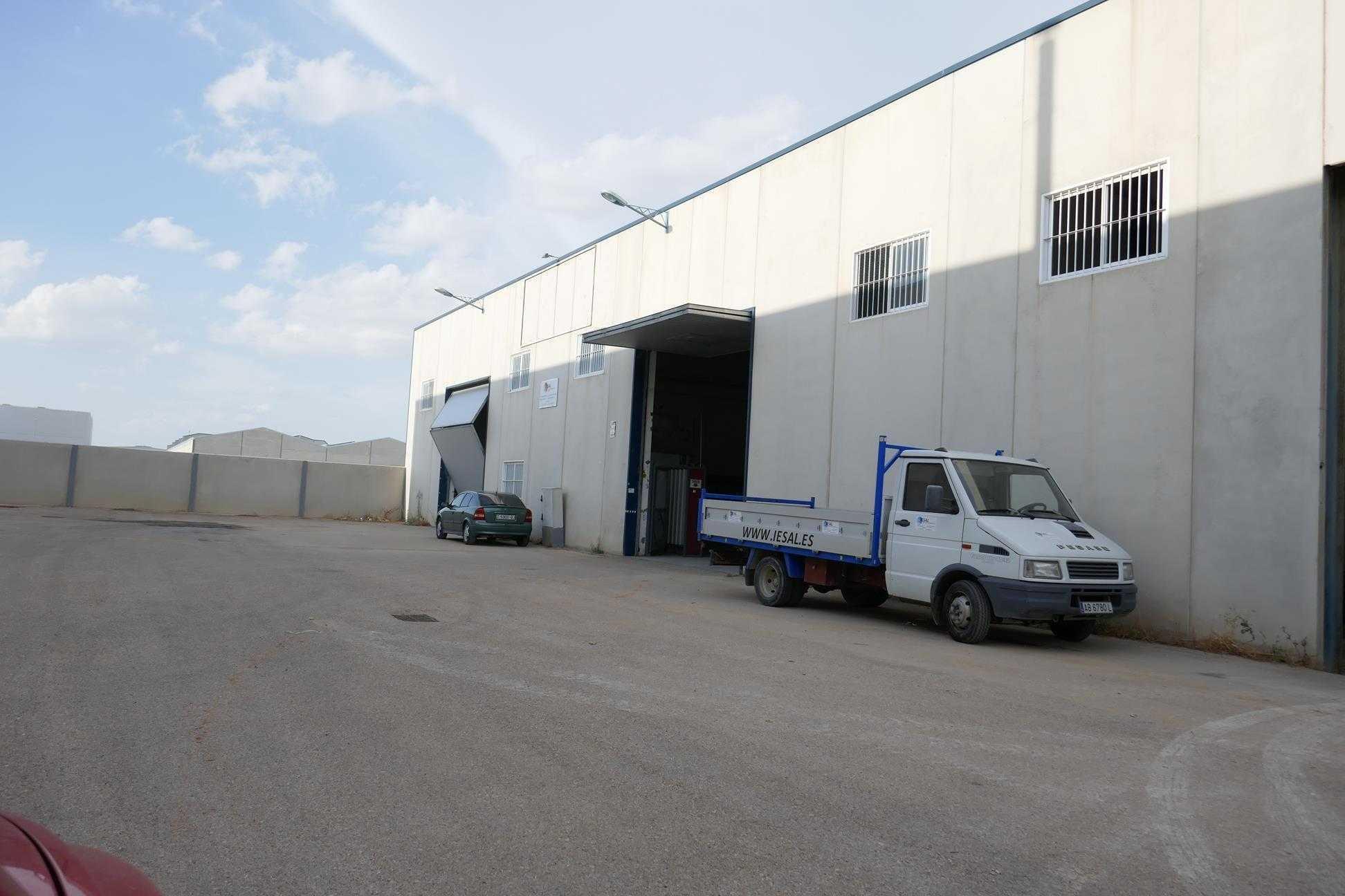 Industrial en venta en Albacete, Albacete, Calle Tres, 127.000 €, 705 m2