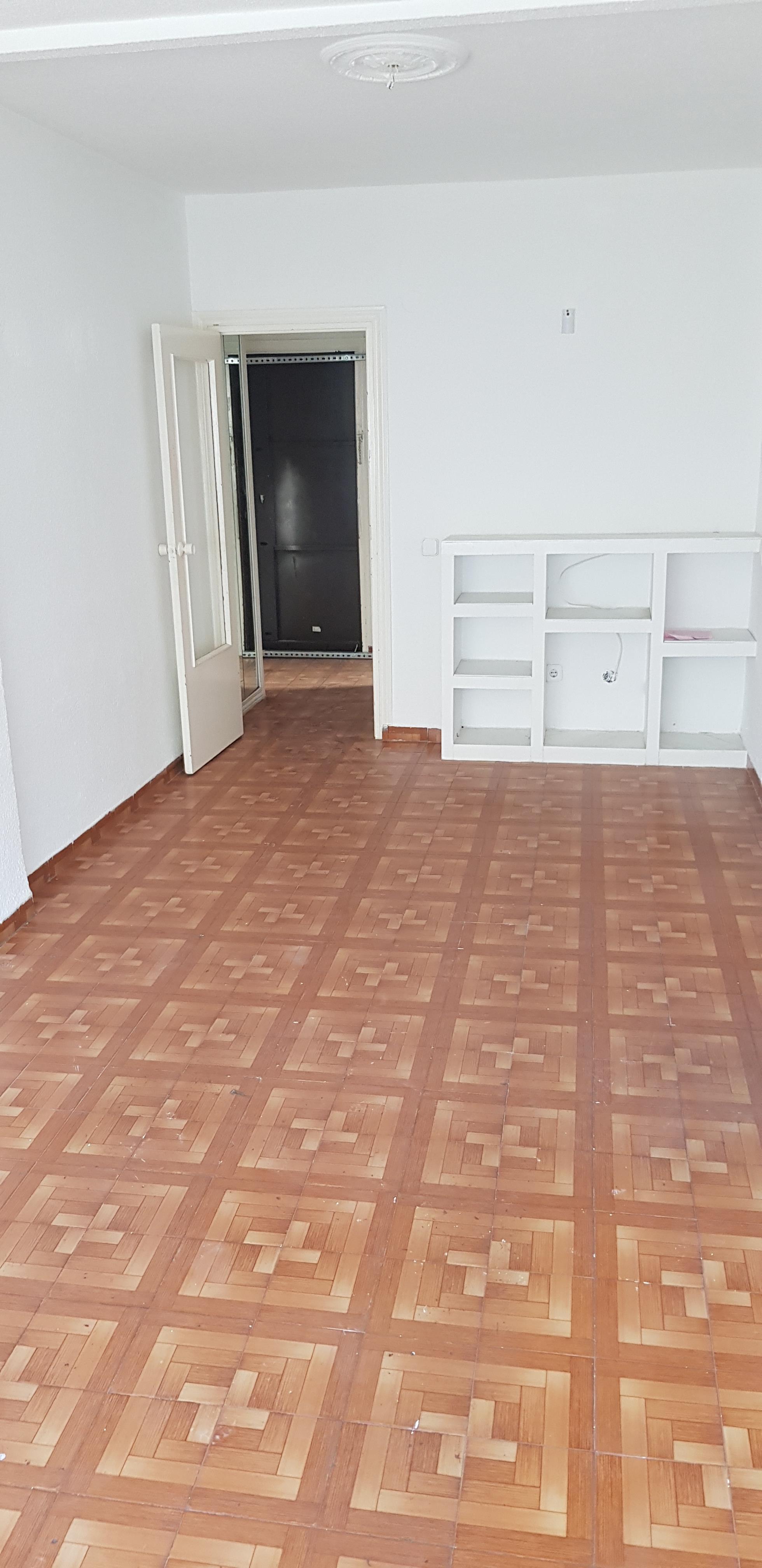 Piso en venta en Las Margaritas, Getafe, Madrid, Avenida de los Ángeles, 87.000 €, 3 habitaciones, 1 baño, 66 m2