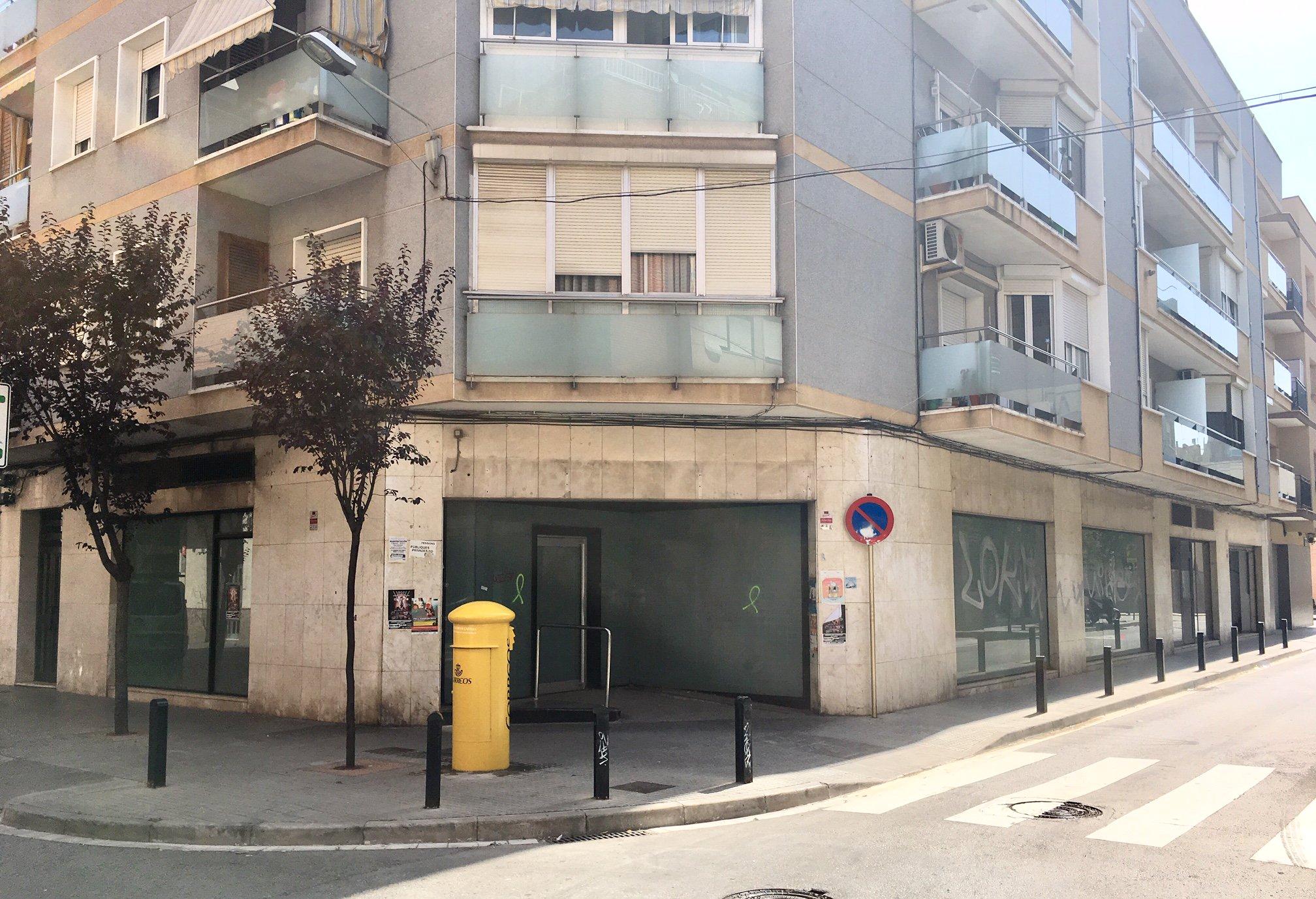 Local en venta en Cornellà de Llobregat, Barcelona, Calle San Jeronimo, 331.400 €, 61 m2