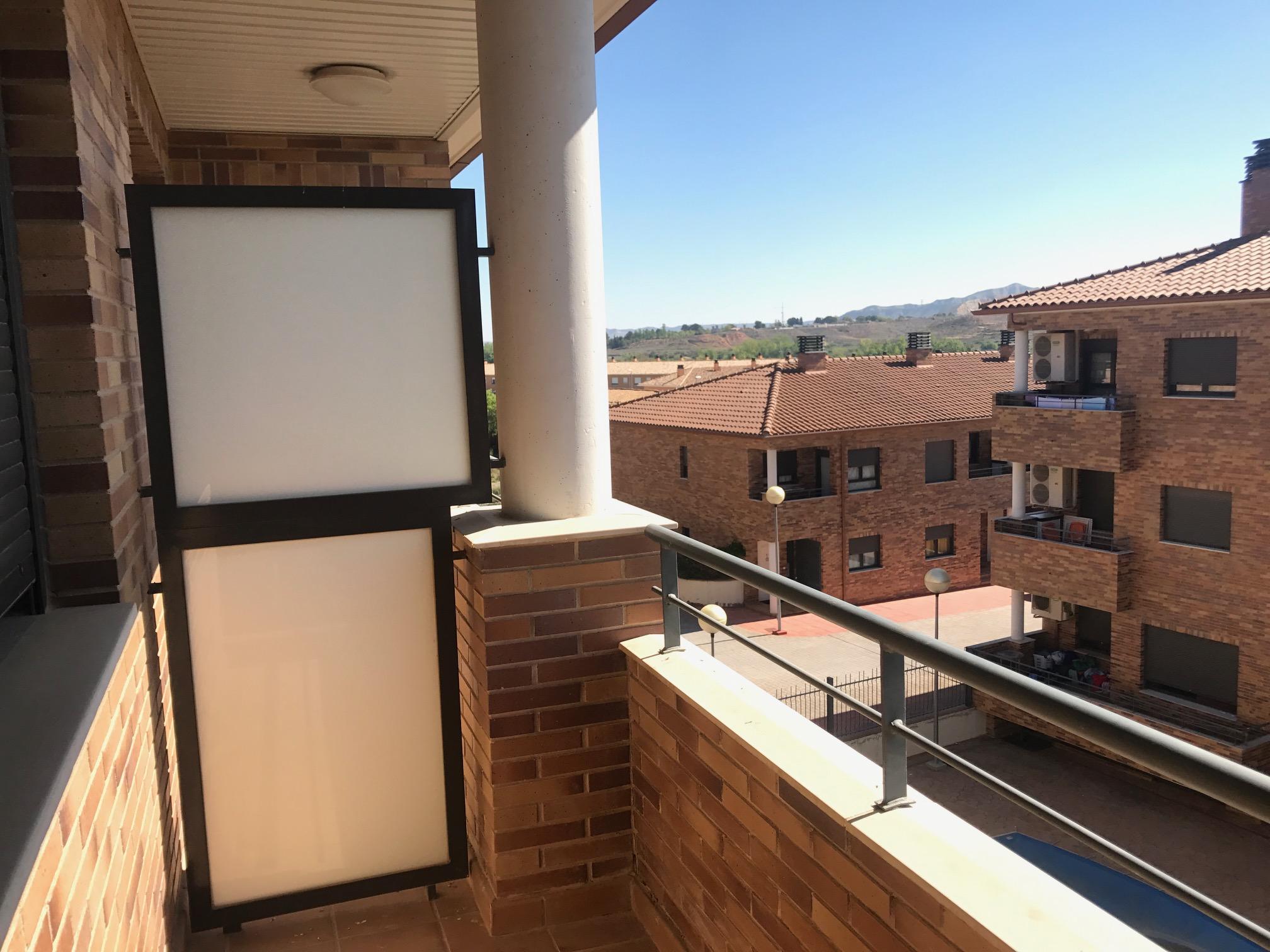 Casa en venta en Muel, Zaragoza, Avenida Garcia Gimenes, 139.000 €, 4 habitaciones, 2 baños, 173 m2