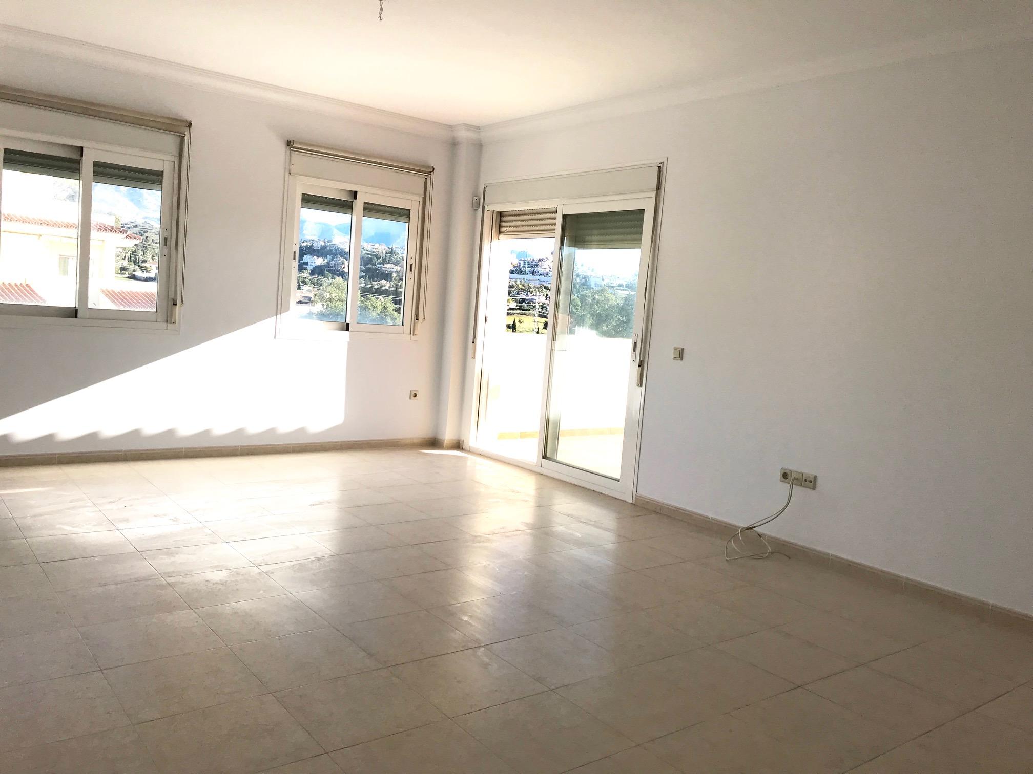 Piso en venta en Mijas, Málaga, Urbanización la Torre, 160.000 €, 2 habitaciones, 2 baños, 100 m2