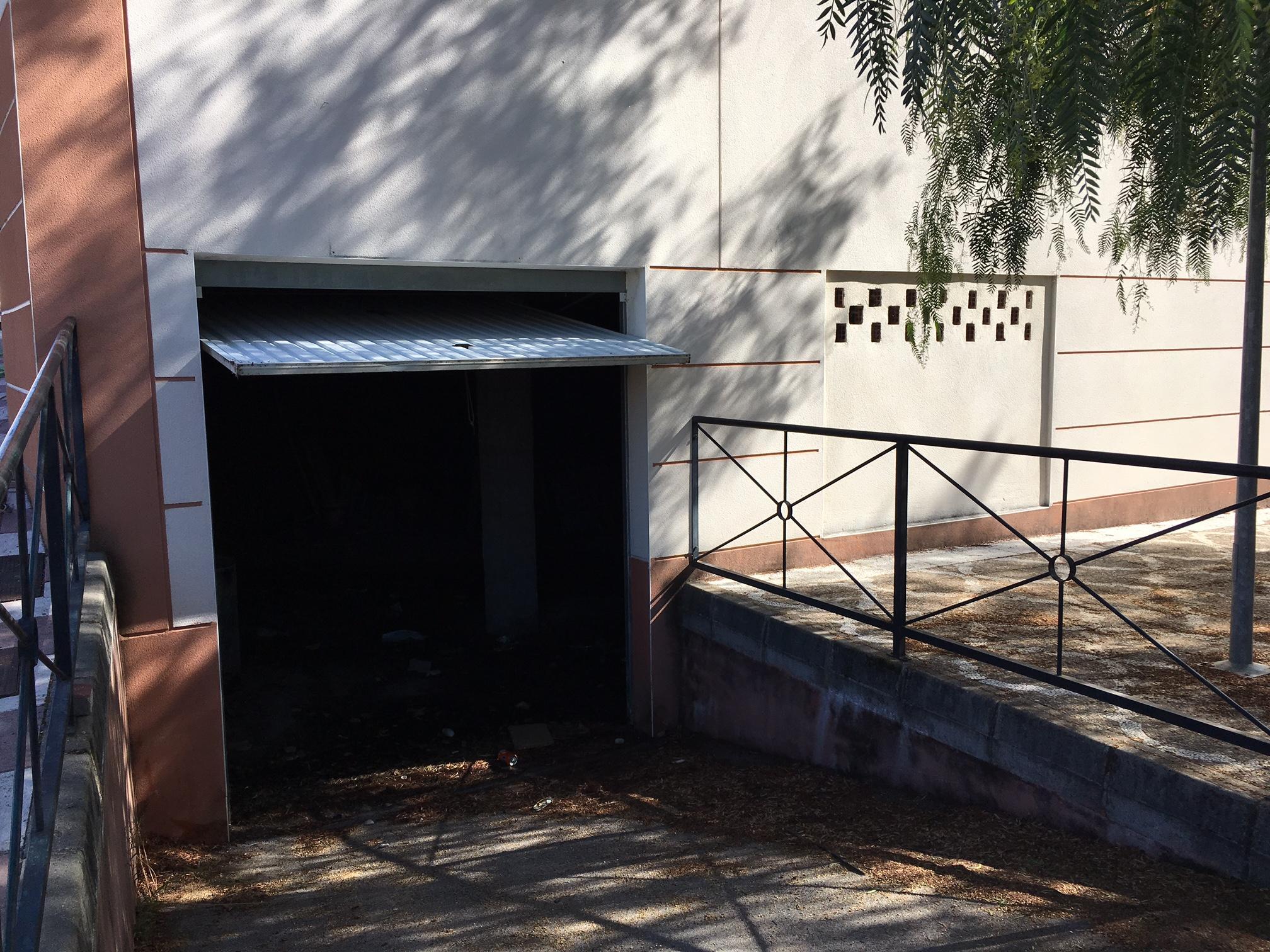 Local en venta en Arroyomolinos de León, Arroyomolinos de León, Huelva, Calle Extremadura Trasera, 51.800 €, 433 m2