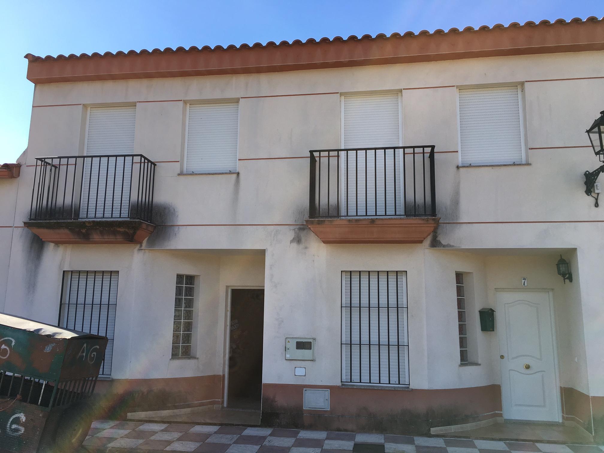Casa en venta en Arroyomolinos de León, Arroyomolinos de León, Huelva, Calle Extremadura Trasera, 41.500 €, 2 habitaciones, 2 baños, 75 m2