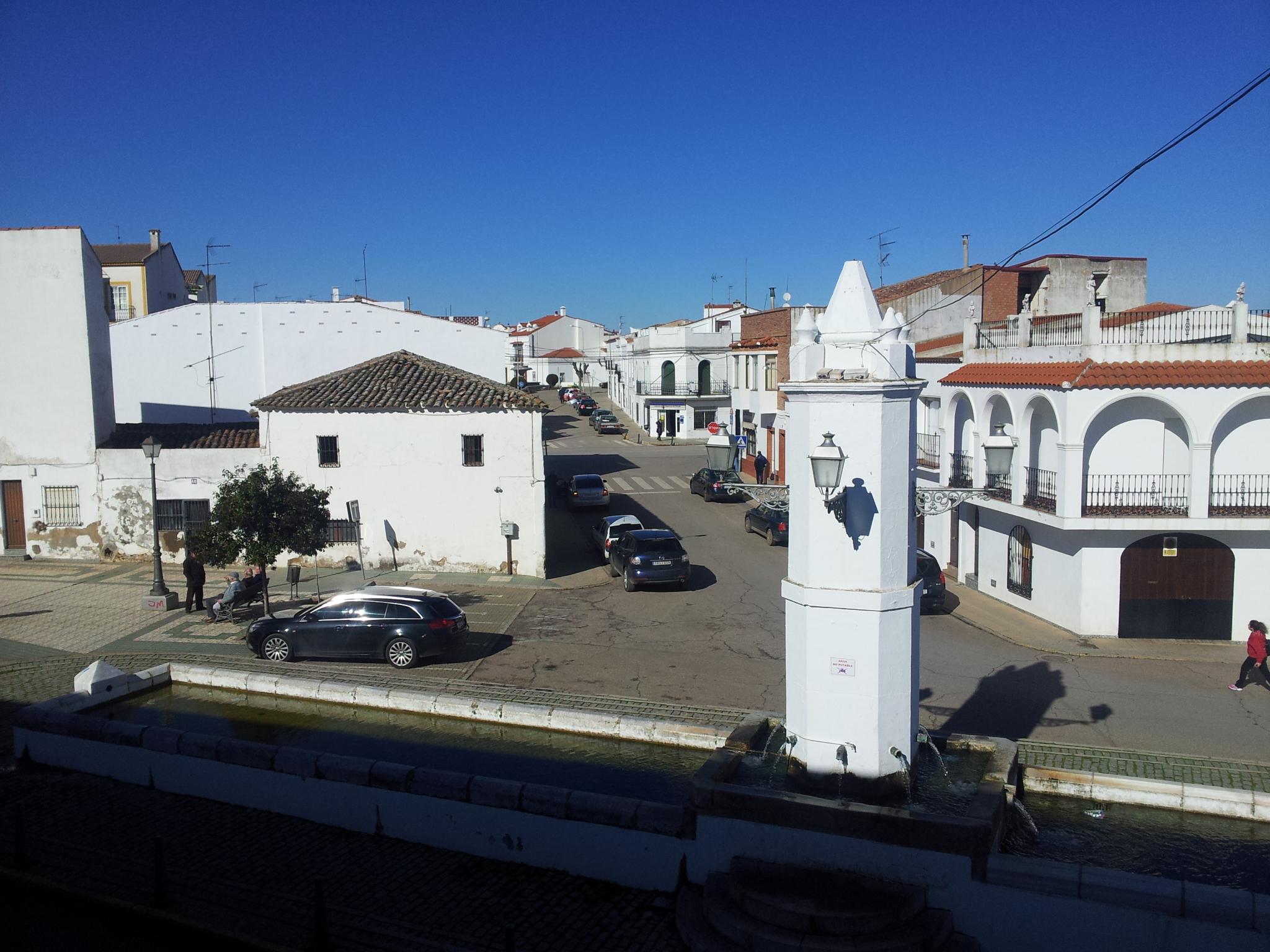 Piso en venta en Los Santos de Maimona, Badajoz, Calle Vistahermosa, 73.000 €, 5 habitaciones, 1 baño, 177 m2
