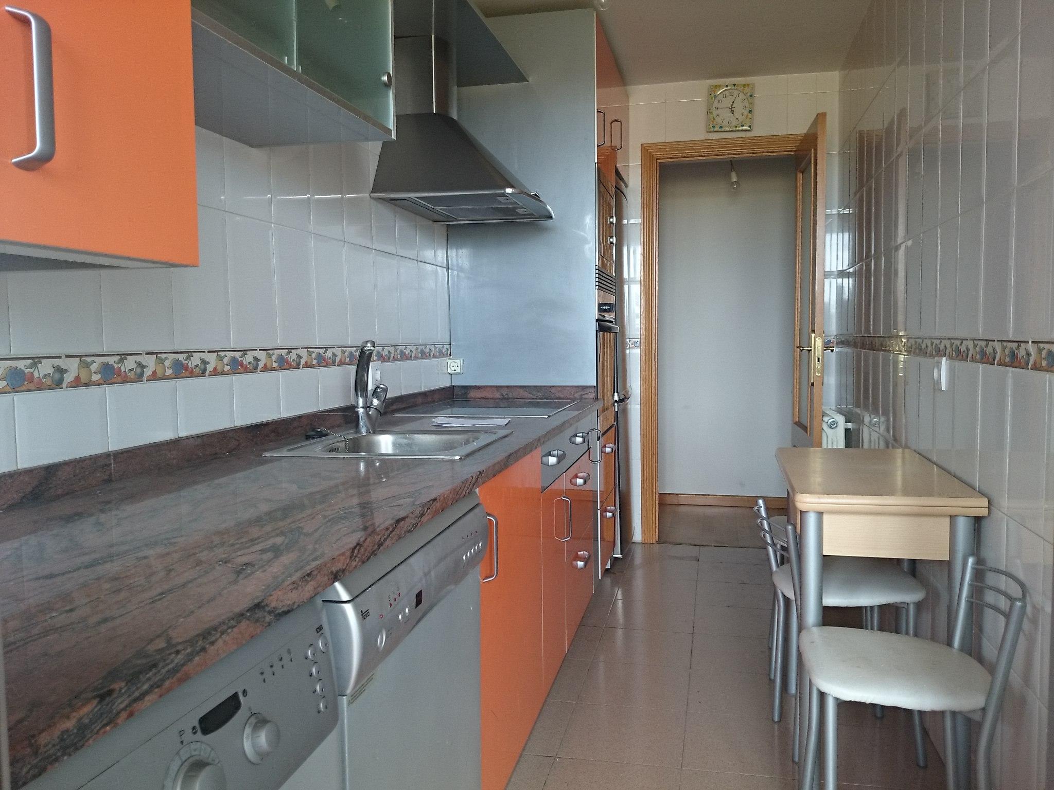 Piso en venta en San Blas Peña Trevinca, Zamora, Zamora, Calle Cañaveral, 98.000 €, 2 habitaciones, 1 baño, 77 m2
