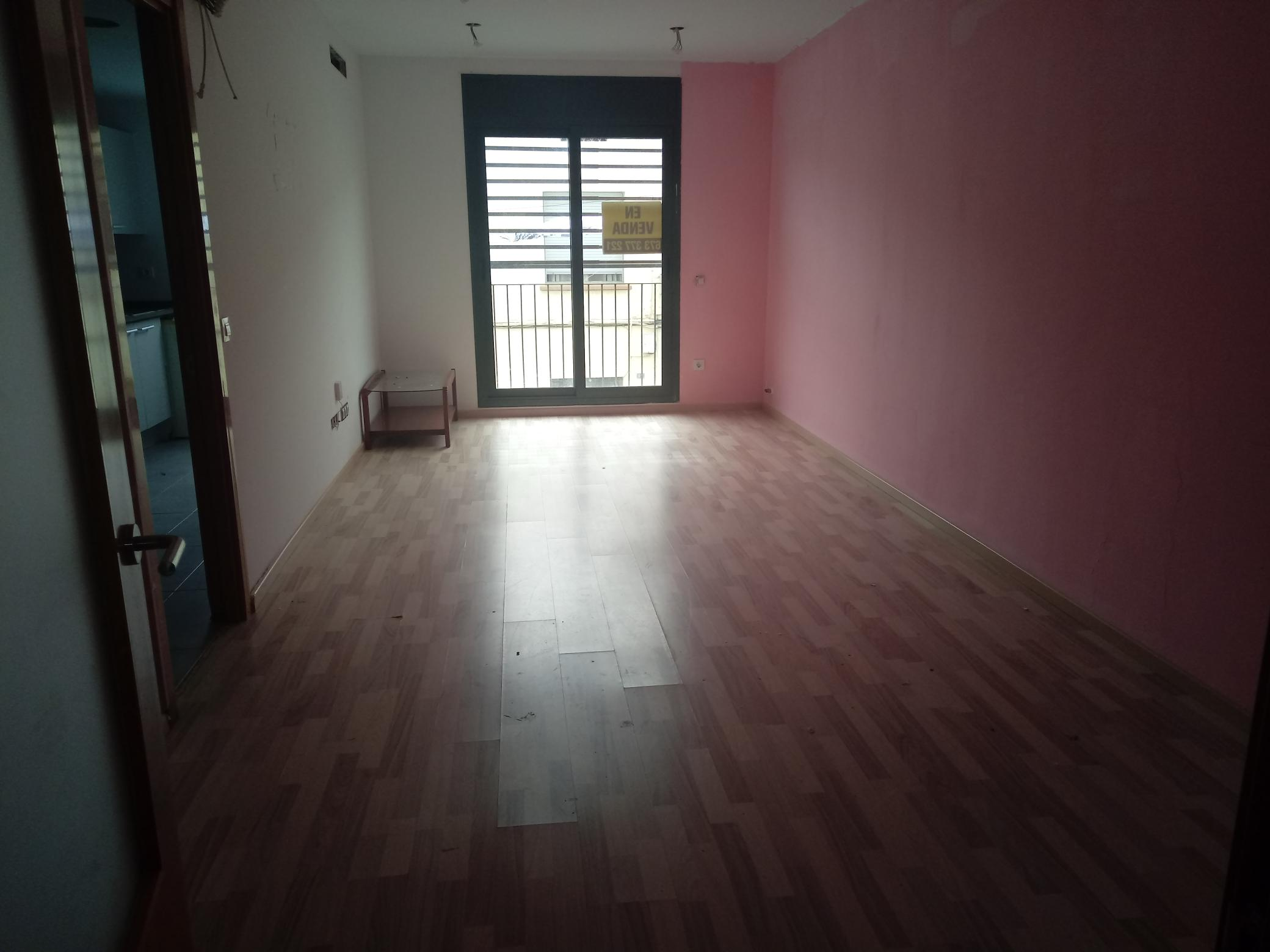 Piso en venta en Palafolls, Palafolls, Barcelona, Calle Major, 137.000 €, 3 habitaciones, 107 m2