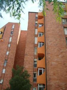 Piso en venta en Barri Gaudí, Reus, Tarragona, Avenida Barcelona, 41.160 €, 4 habitaciones, 1 baño, 83 m2