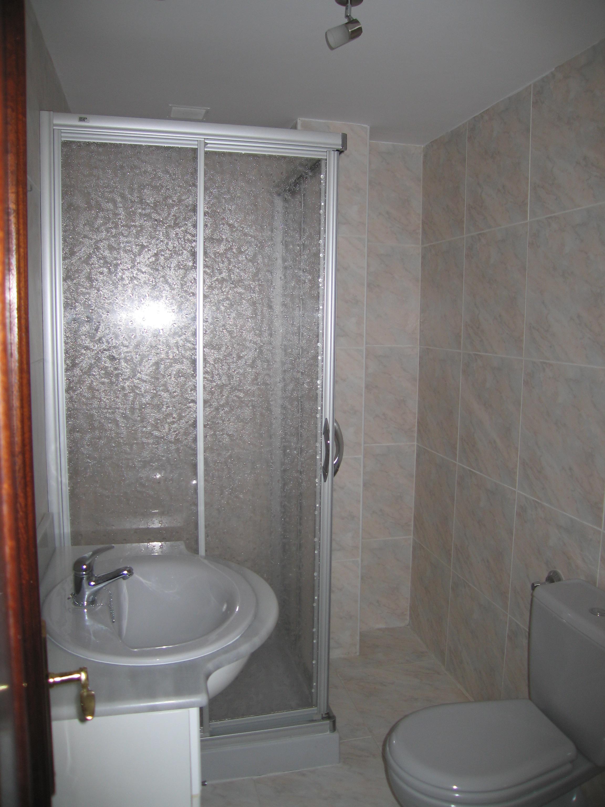 Piso en venta en Val de San Vicente, Cantabria, Calle Gral Tina Mayor, 74.000 €, 2 habitaciones, 1 baño, 54 m2