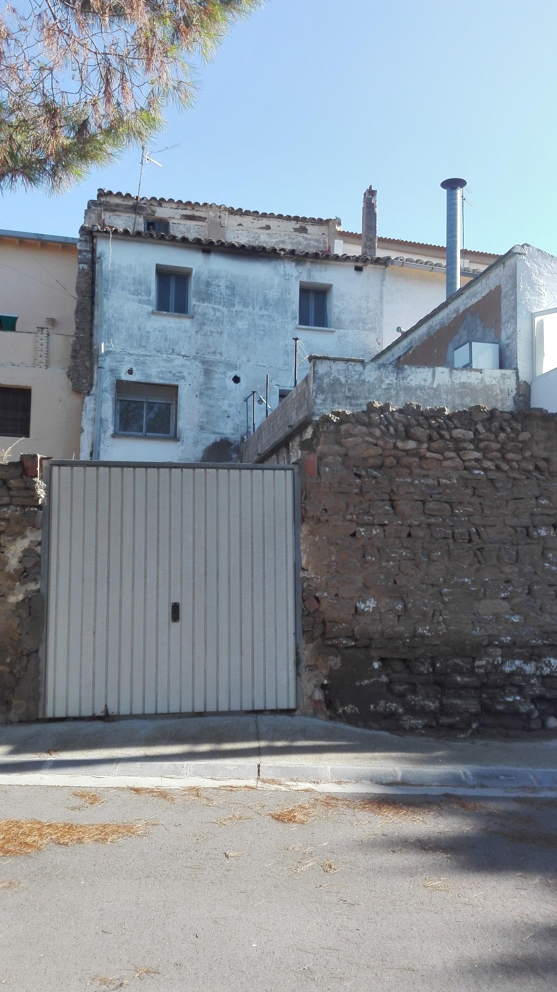 Casa en venta en Gurrea de Gállego, Huesca, Calle la Paz, 12.000 €, 4 habitaciones, 1 baño, 302 m2