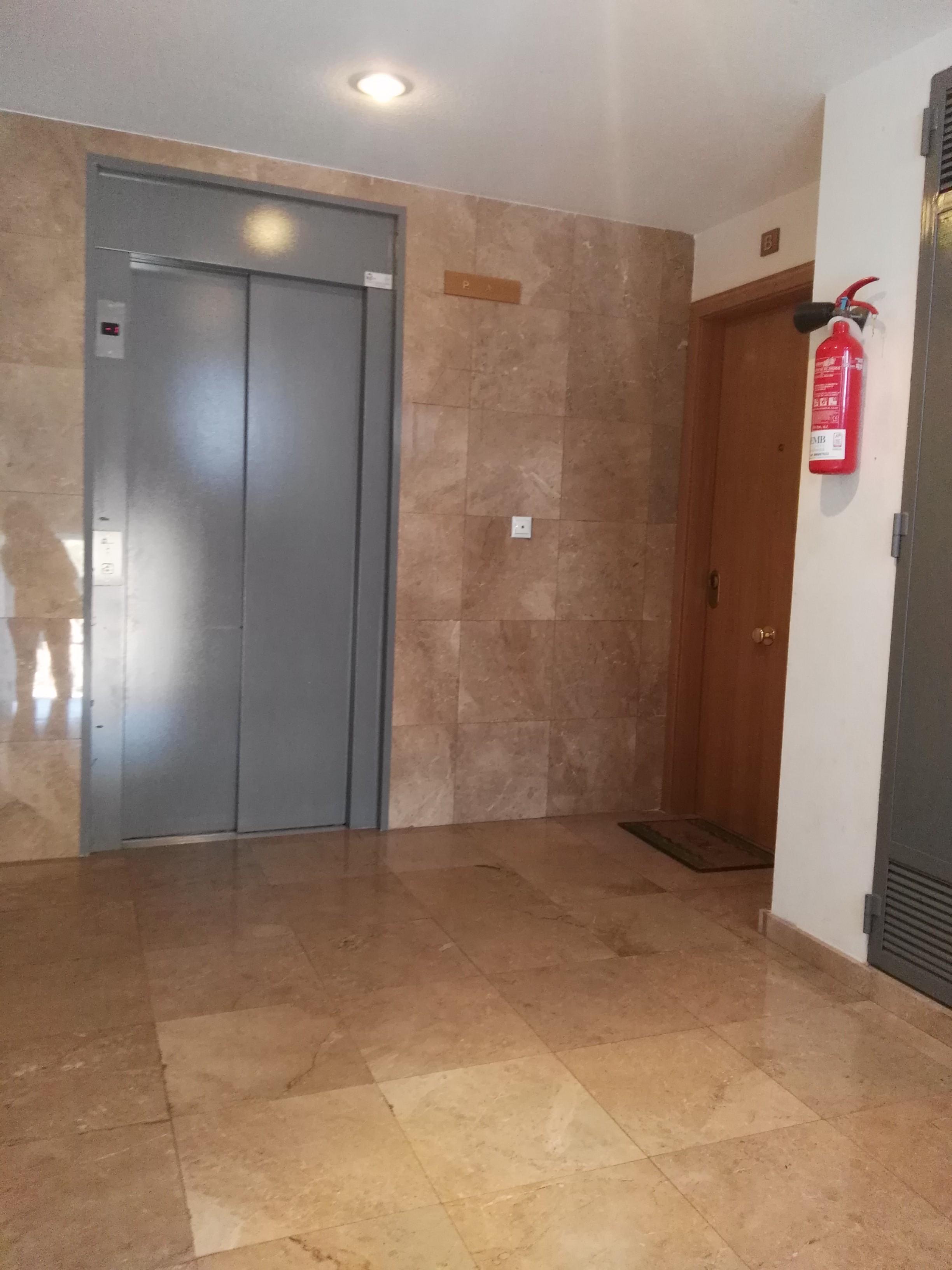 Piso en venta en Piso en Finestrat, Alicante, 108.000 €, 3 habitaciones, 2 baños, 94 m2