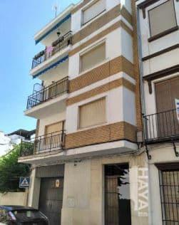 Piso en venta en Barrio de la Isla, Puente Genil, Córdoba, Calle Contralmirante Parejo Delgado, 53.000 €, 3 habitaciones, 1 baño, 105 m2