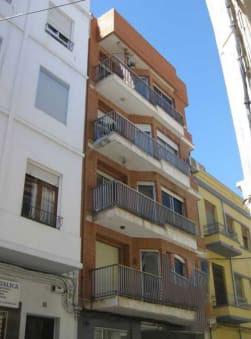 Piso en venta en Sagunto/sagunt, Valencia, Calle Capitan Pallares, 57.000 €, 3 habitaciones, 1 baño, 104 m2