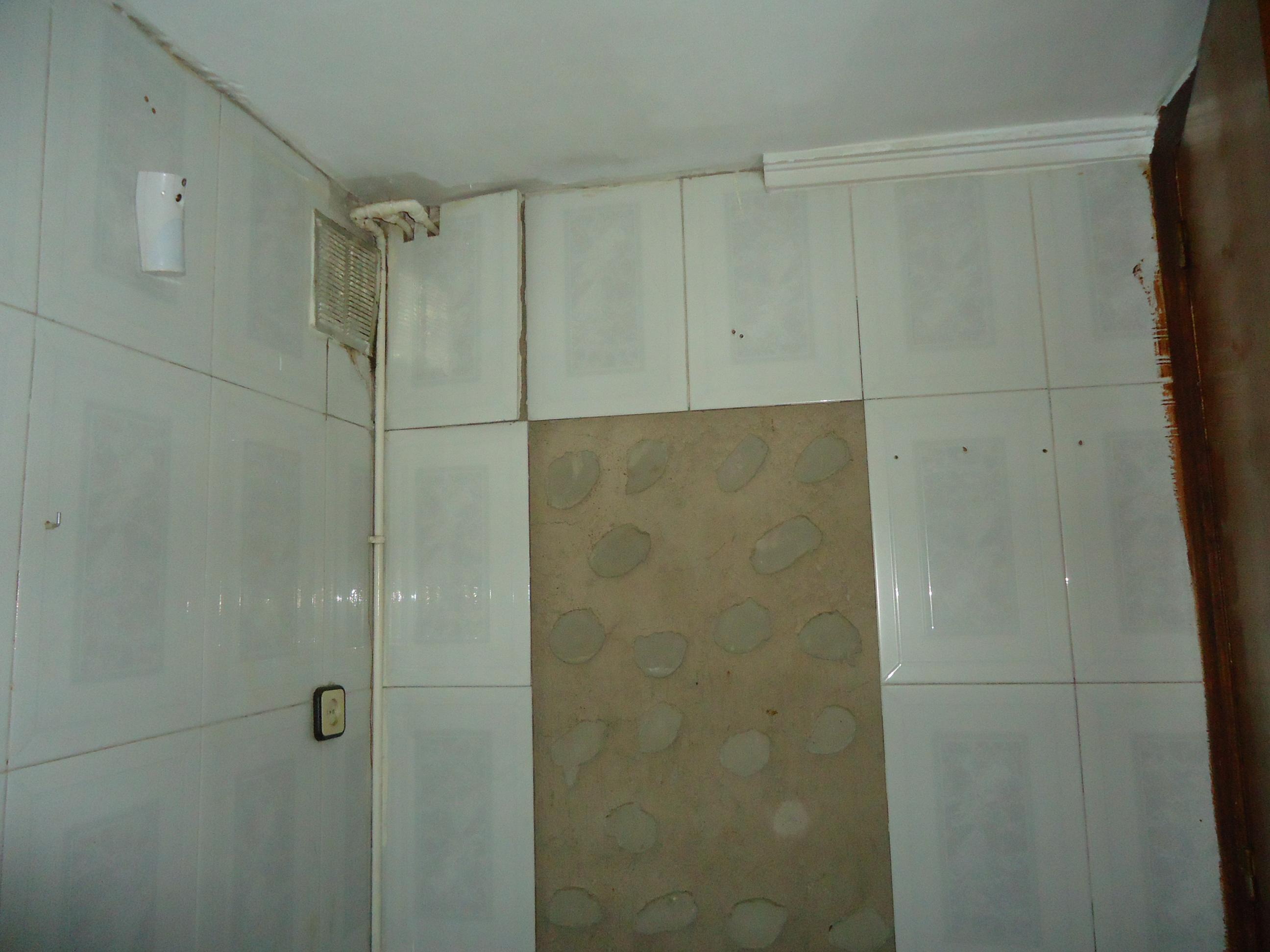 Piso en venta en Piso en Tarragona, Tarragona, 55.000 €, 3 habitaciones, 1 baño, 77 m2