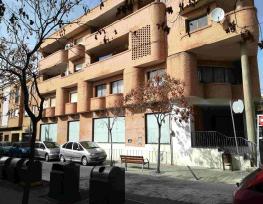 Local en venta en Azuqueca de Henares, Guadalajara, Calle Mayor, 134.600 €, 347 m2