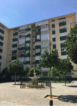 Piso en venta en Distrito Este-alcosa-torreblanca, Sevilla, Sevilla, Plaza de los Luceros, 85.000 €, 4 habitaciones, 1 baño, 100 m2