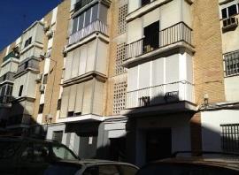 Piso en venta en Distrito Cerro-amate, Sevilla, Sevilla, Calle Andalucia Amarga, 50.700 €, 3 habitaciones, 1 baño, 68 m2