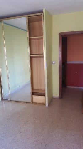 Piso en venta en Piso en Sabiñánigo, Huesca, 68.000 €, 4 habitaciones, 2 baños, 141 m2