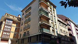 Piso en venta en Sabiñánigo, Huesca, Calle Serrablo, 68.000 €, 4 habitaciones, 2 baños, 141 m2
