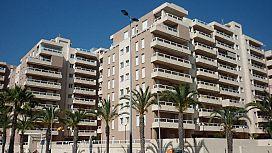 Piso en venta en La Manga del Mar Menor, la Manga del Mar Menor, Murcia, Calle Gran Vía, Urb. Punta Cormoran, 105.000 €, 2 habitaciones, 2 baños, 131 m2