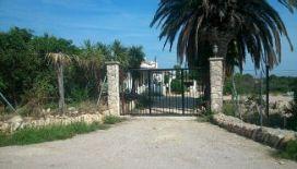 Casa en venta en Mas de Miralles, L` Ampolla, Tarragona, Calle Partida El Roquer Polígono, 191.000 €, 302 m2