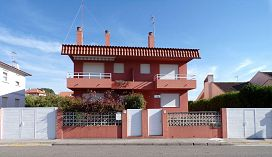 Casa en venta en A Ramallosa, Nigrán, Pontevedra, Avenida Castelao, 320.500 €, 3 habitaciones, 4 baños, 202,15 m2