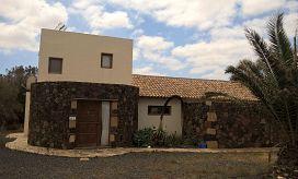 Casa en venta en La Oliva, Las Palmas, Calle Cerco del Hospital, 214.000 €, 3 habitaciones, 135 m2