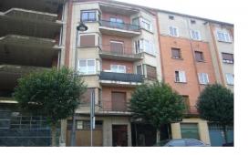 Piso en venta en Santo Domingo de la Calzada, Santo Domingo de la Calzada, La Rioja, Calle Rey Juan Carlos I, 67.000 €, 2 habitaciones, 1 baño, 93,68 m2
