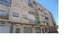 Piso en venta en Elda, Alicante, Calle Vicente Blasco Ibañez, 13.000 €, 3 habitaciones, 1 baño, 66,32 m2