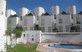 Casa en venta en Velilla-taramay, Almuñécar, Granada, Urbanización Residencial Lindaraja (pago de la Galera), 185.100 €, 3 habitaciones, 160 m2