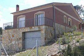 Casa en venta en La Torre de Claramunt, Barcelona, Calle Bruc, 78.000 €, 140 m2