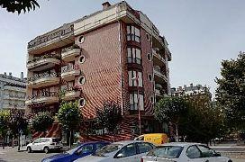 Local en venta en Carbonal, Castro-urdiales, Cantabria, Plaza Hermandad de la Marismas, Cjto. Resid. Reina Victoria, 200.000 €, 330 m2