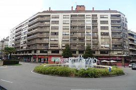 Piso en venta en Centro Y Casco Histórico, Oviedo, Asturias, Plaza San Miguel, 465.500 €, 6 habitaciones, 275 m2