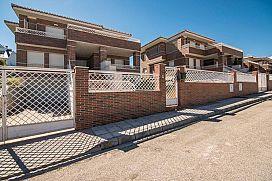 Casa en venta en Cumbres Verdes, la Zubia, Granada, Calle Maracena, 236.300 €, 370,12 m2
