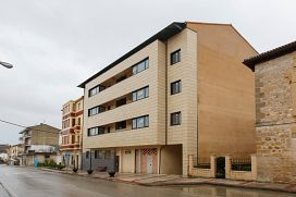 Piso en venta en Valle de Tobalina, Burgos, Carretera de Miranda, 38.100 €, 1 habitación, 1 baño, 63 m2