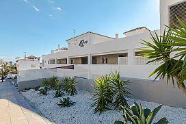 Piso en venta en Estepona, Málaga, Calle del Naranjo, 256.500 €, 131 m2