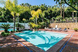 Piso en venta en La Carolina, Marbella, Málaga, Urbanización El Retiro de Nagueles, 1.122.000 €, 5 habitaciones, 1 baño, 314 m2