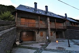 Casa en venta en Sant Joan D`arros, Aubert, Lleida, Calle Es Prats de Mont, 293.600 €, 4 habitaciones, 3 baños, 247 m2