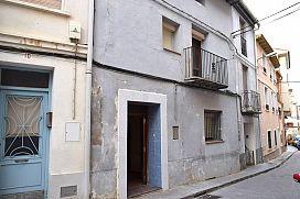 Piso en venta en Sariñena, Huesca, Calle Soldevila, 40.000 €, 4 habitaciones, 2 baños, 231 m2