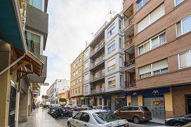 Piso en venta en Poblados Marítimos, Burriana, Castellón, Avenida Corts Valencianes, 37.000 €, 3 habitaciones, 1 baño, 122 m2