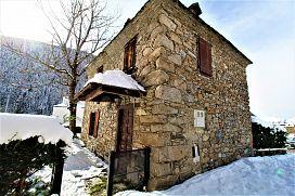 Casa en venta en Baqueira Beret, Lleida, Calle Perimetrau, 1.035.000 €, 1518 m2