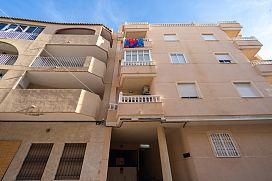 Piso en venta en Torrevieja, Alicante, Calle Finlandia, 54.000 €, 2 habitaciones, 1 baño, 67 m2