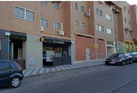 Local en alquiler en Barrio de Tiradores, Cuenca, Cuenca, Calle Joaquin Turina, 700 €, 177 m2