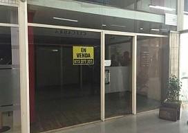 Local en venta en Local en Figueres, Girona, 24.513 €, 77 m2