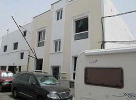 Piso en venta en Titerroy, Arrecife, Las Palmas, Calle Tenique, 84.000 €, 2 habitaciones, 1 baño, 65 m2