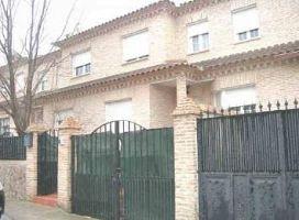 Piso en venta en Arroyo Vedado, Yuncos, Toledo, Calle Jacinto Benavente, 140.000 €, 4 habitaciones, 3 baños, 238 m2