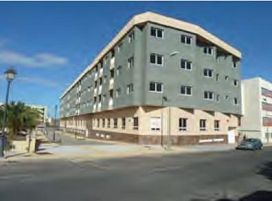 Piso en venta en Santa Lucía de Tirajana, Las Palmas, Pasaje 8 de Marzo, 92.500 €, 2 habitaciones, 1 baño, 106 m2